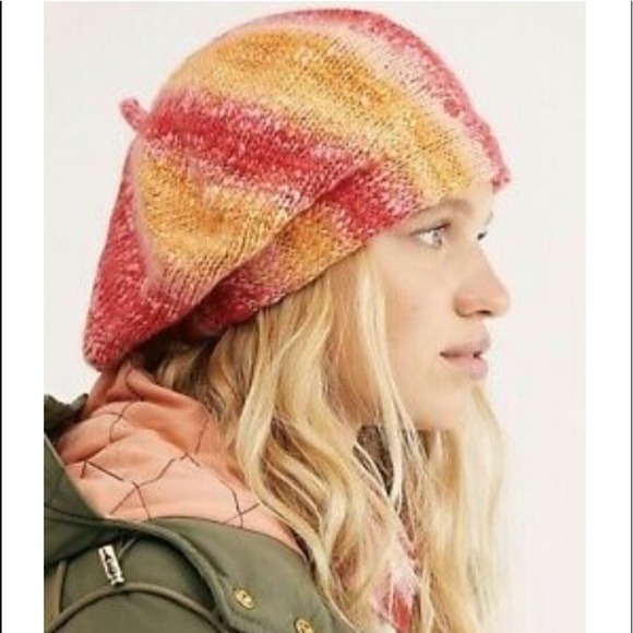 NWT!! Free People Slouchy Beret!!